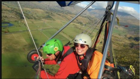 Alexis hang gliding